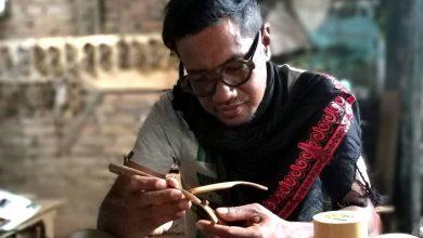 Mochamad Theo Zaenuri https://www.instagram.com/sahawood_eyewear/