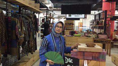 Photo of Kearifan Lokal, Desainer Ini Siap Pamerkan Karyanya di Ajang Modest Heritage Indonesia Di Belanda