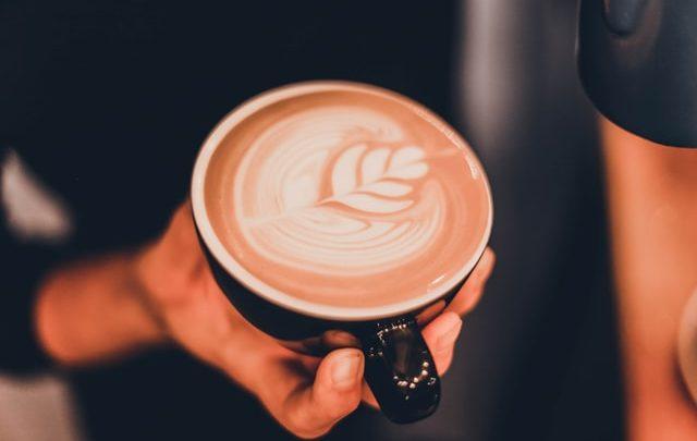5 Inspirasi Latte Art (Photo by Şahin Yeşilyaprak on Unsplash)