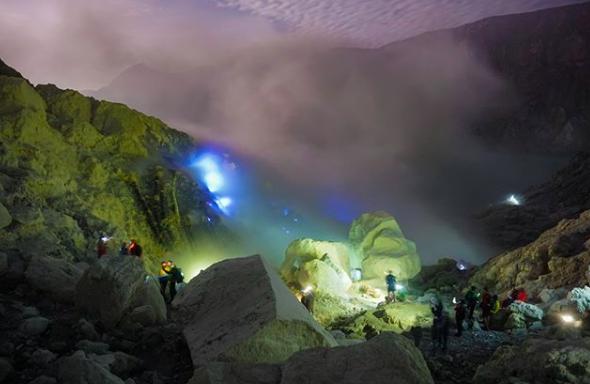 Photo of Kawah Ijen Resmi Diusulkan Menjadi Geopark Dunia, Apa Alasannya?