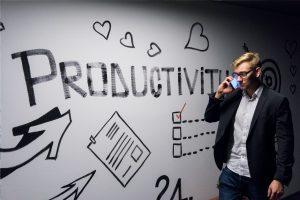 Menjadi Seorang Project Manager di Industri Kreatif Digital (Photo by Andreas Klassen on Unsplash)