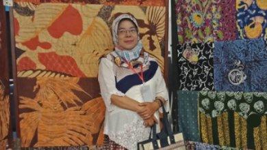 Wiwik Niarti, Pembuat Desain Batik Malangan (Foto via Instagram @wiwikniarti)