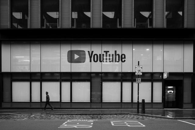 Pihak YouTube resmi menyampaikan jika mereka tidak akan membuat YouTube Rewind tahun ini (Photo by Jake Davies on Unsplash)