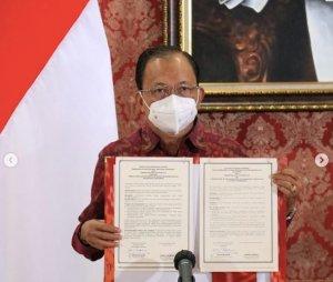 Kerjasama Mengusung Kain Endek antara Pemprov Bali dan DIOR