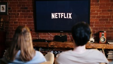 Netlfix lebih dari bioskop? (Photo by cottonbro from Pexels)
